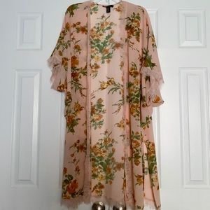 Floral Lace TrimmedLightweight Kimono Duster